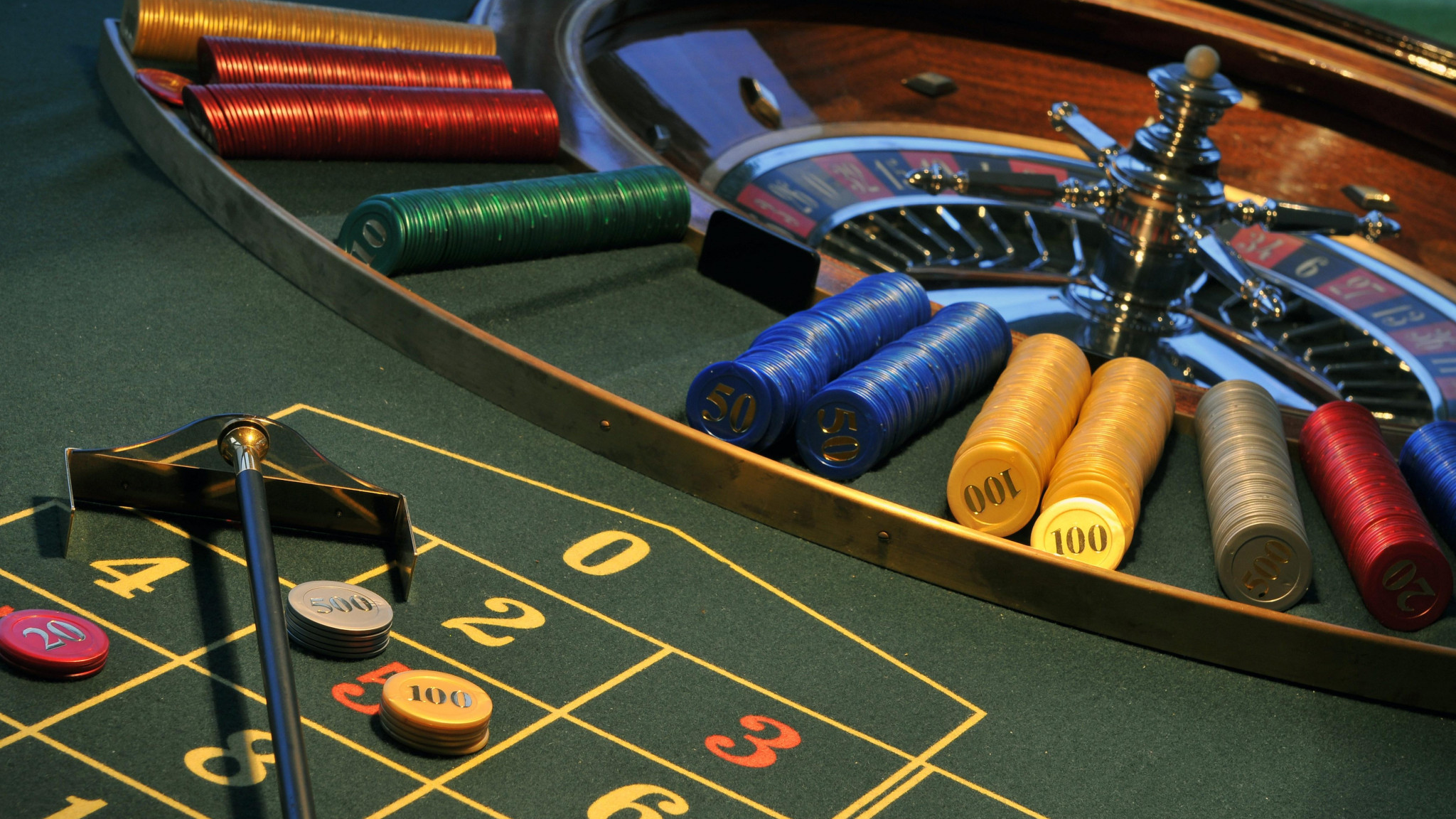 Pay with your credit or debit card and enjoy a gambling experience at the Canadian online casino